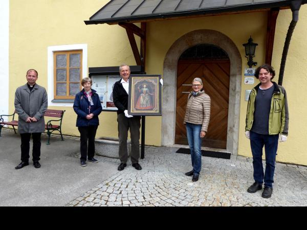 Übergabe der Leihgabe vom  Tiroler Volkskunstmuseum